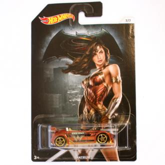 Hot Wheels Batman vs Superman Tantrum kisautó 1/64