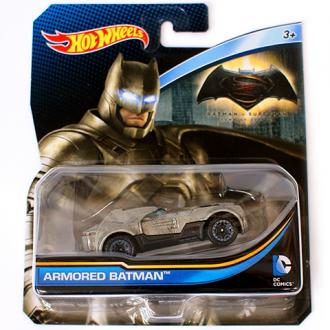Hot Wheels DC Universe Batman páncélban kisautó 1/64