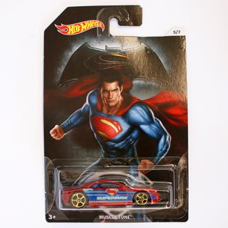Hot Wheels Batman vs Superman Muscle Tone kisautó 1/64